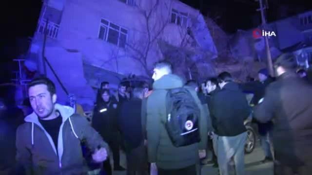 Depremde bina yan yattı
